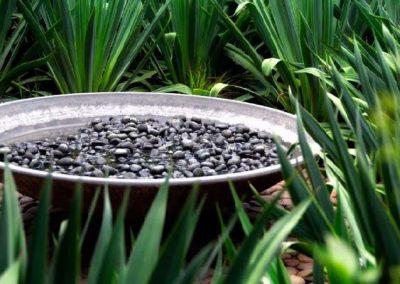 Mosaic-pebble-swirls-in-pot-design-5