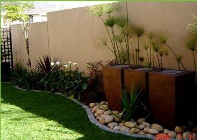 Pebbles lawn Pots