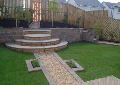 retaining-walls and pebbles